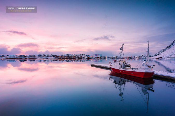 Ballstad au lever du soleil