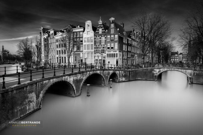 Le pont d'Amsterdam